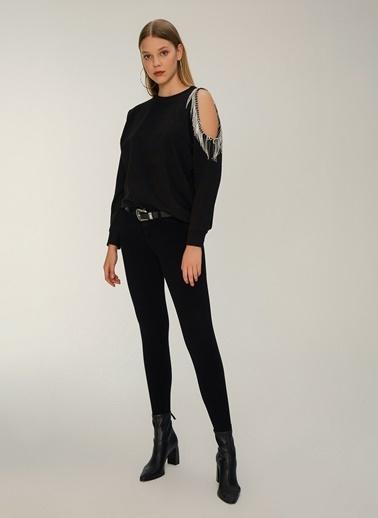 NGSTYLE Zincir Detaylı Sweatshirt Siyah